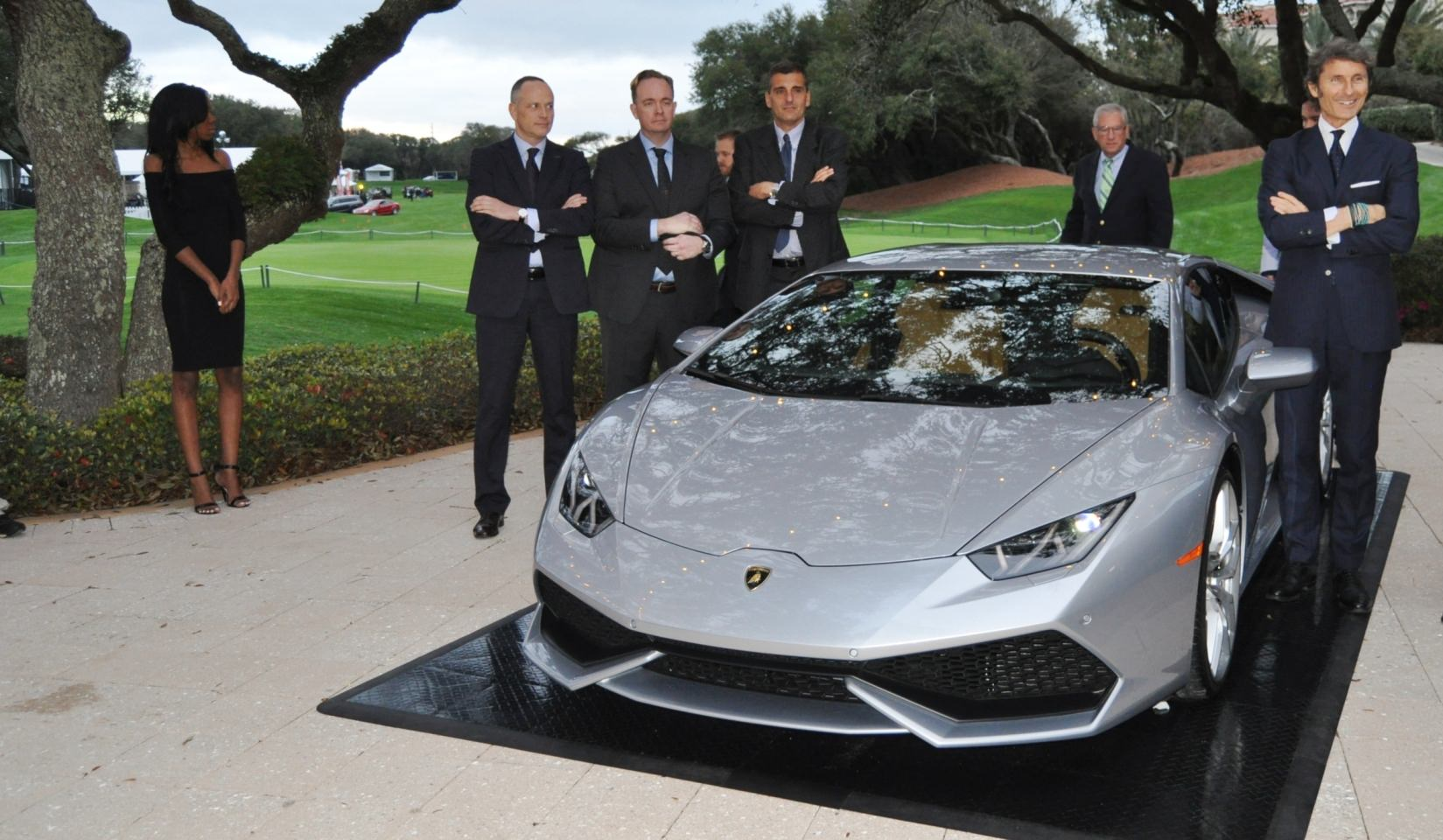 Car-Revs-Daily.com -- 2015 Lamborghini Huracan -- Official American Debut 18
