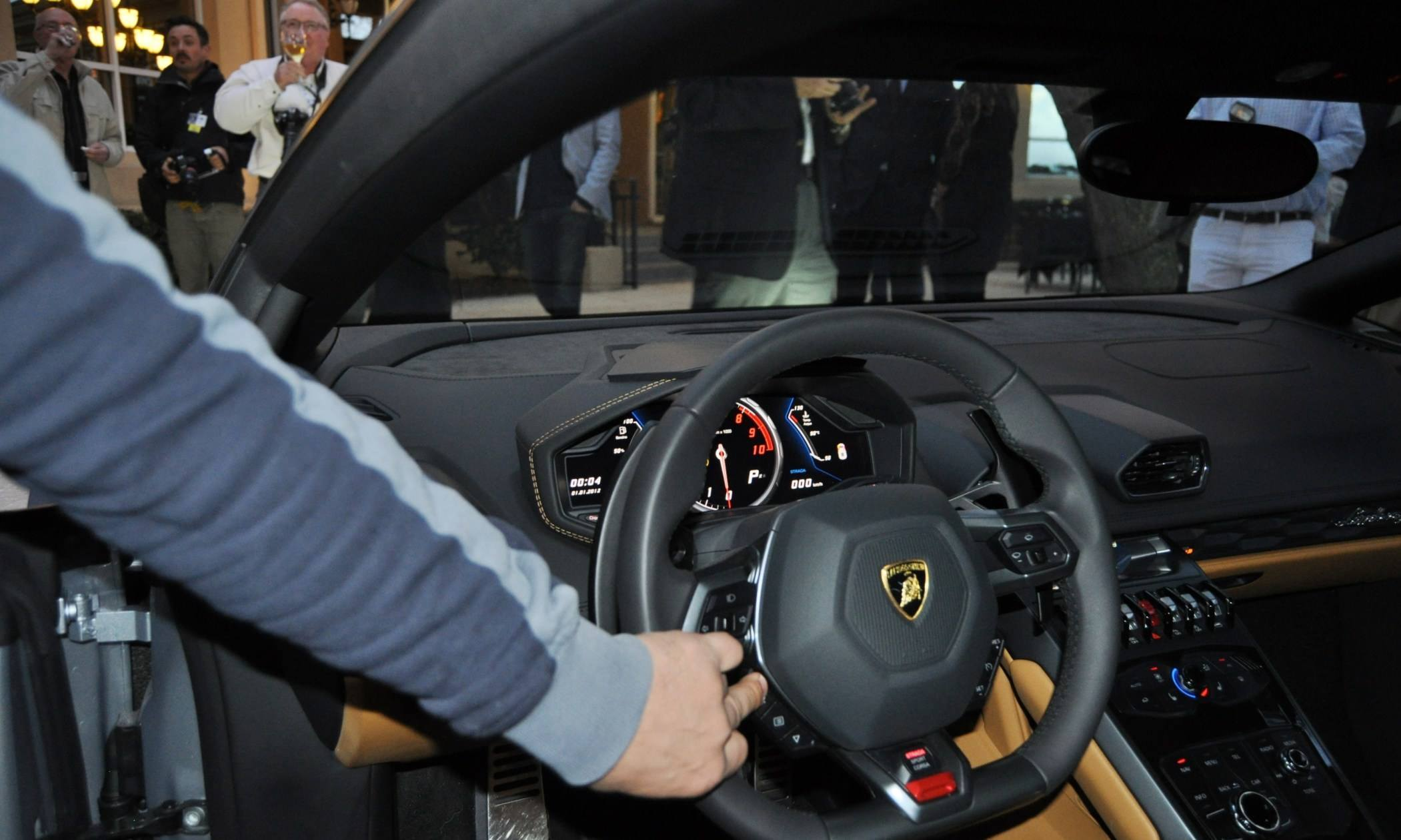 Car-Revs-Daily.com -- 2015 Lamborghini Huracan -- Official American Debut 44