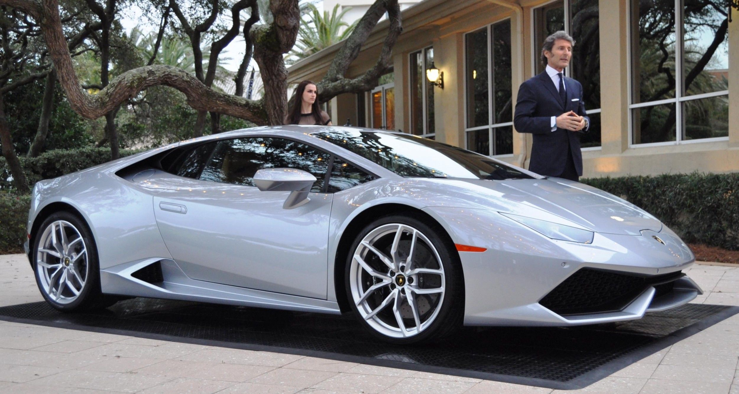 Car-Revs-Daily.com -- 2015 Lamborghini Huracan -- Official American Debut 8