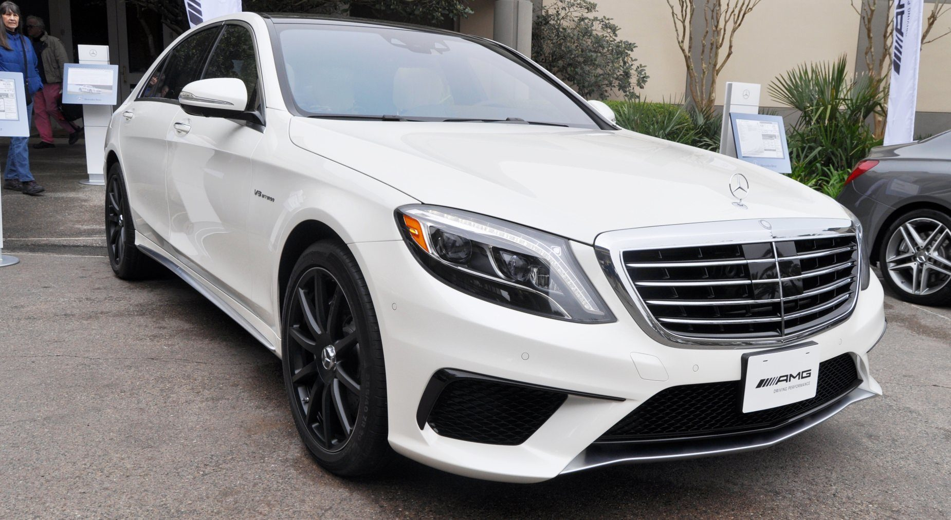 2014 mercedes benz s65 amg and s63 amg for Mercedes benz s65 amg 2014