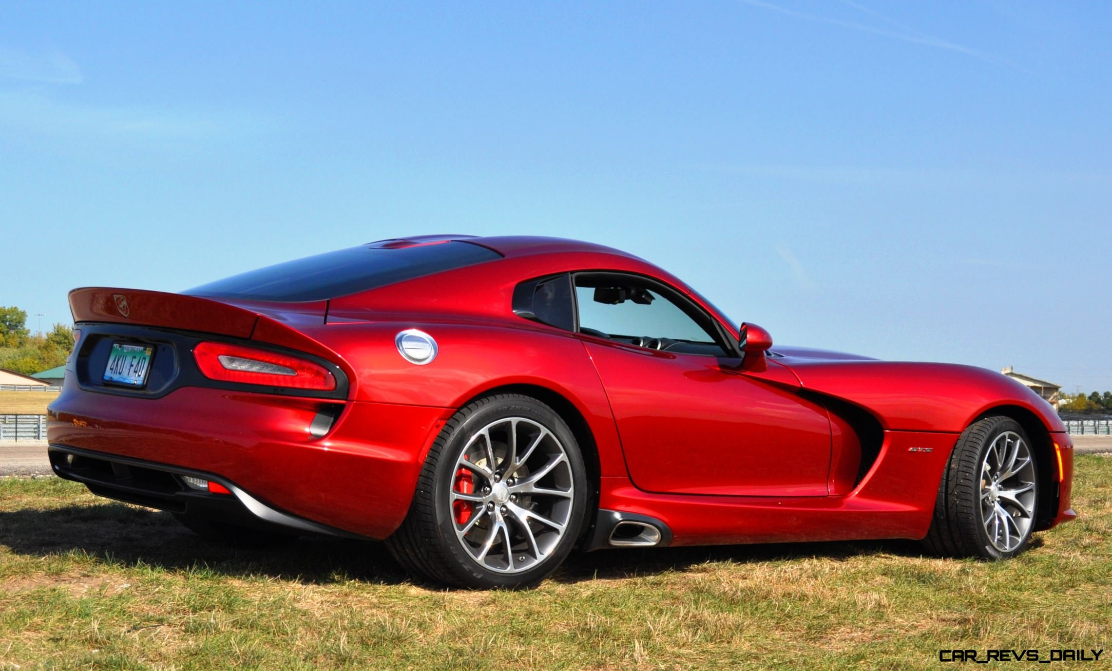 CarRevsDaily.com - 2014 SRT Viper GTS - Huge Wallpapers11