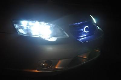 DIY LED lights and LED subaru badge emblem_7695833626_l
