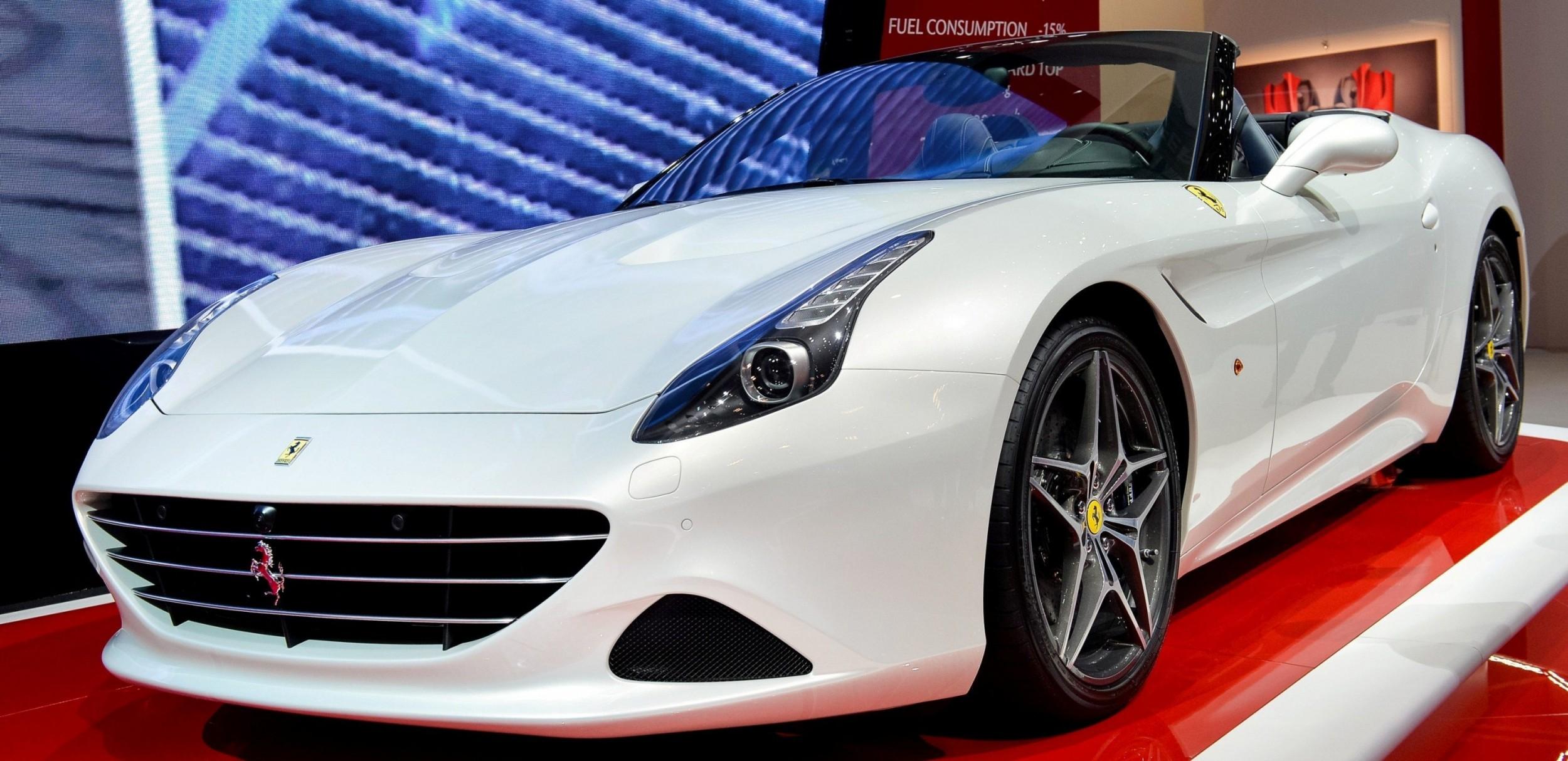 Geneva 2014 ShowFloor -- Ferrari California T, 458
