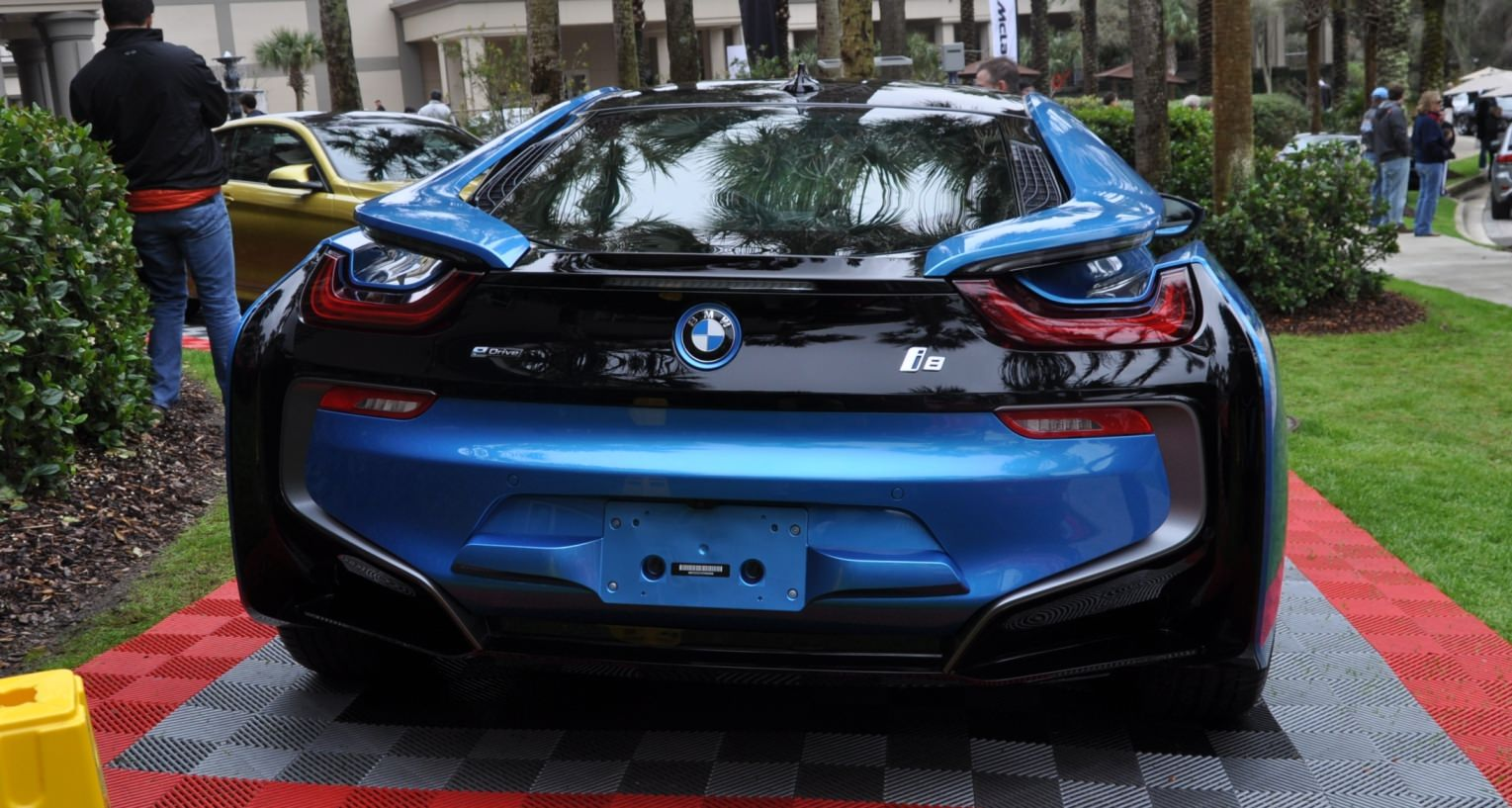 Inimitable Future Tech 2015 BMW i8 Feeling Chummy with Concept M4