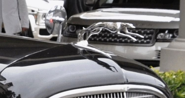 Name This V12 Lincoln GIF header