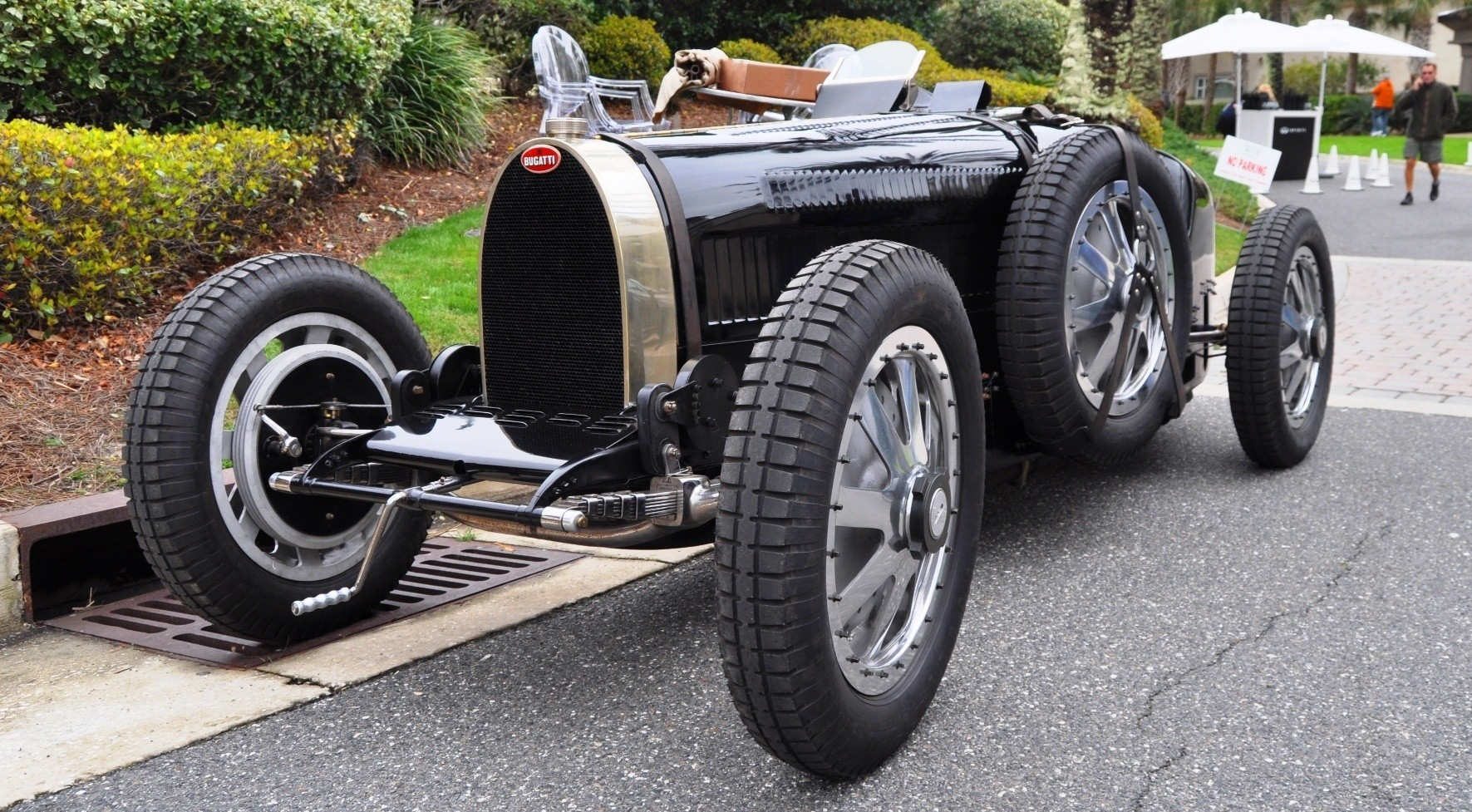 PurSang Argentina Shows Innovative Marketing with Street-Parked 1920s Bugatti GP Car5