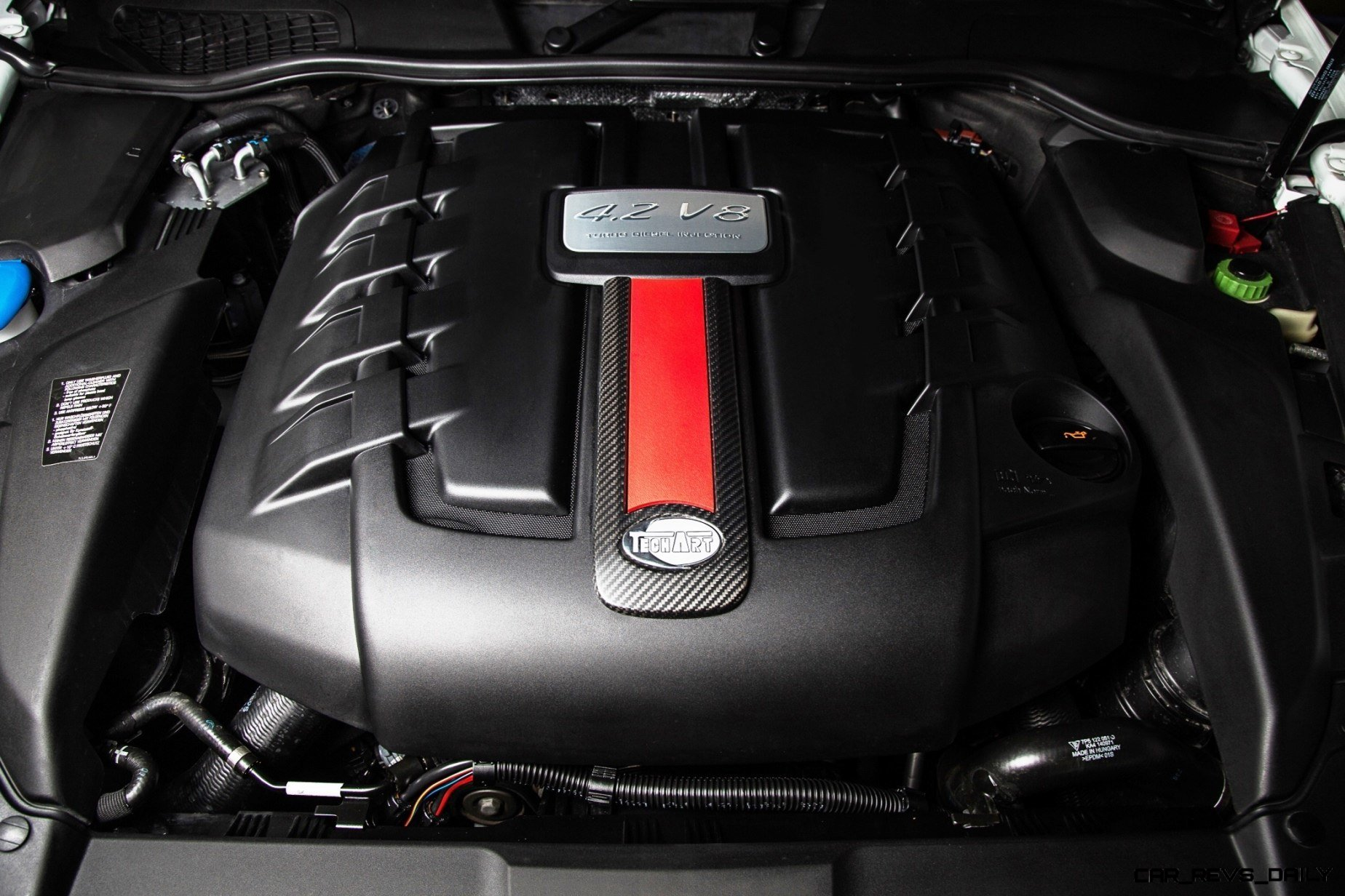 TECHART_Engine_Styling_Package_for_Porsche_Cayenne_S_Diesel