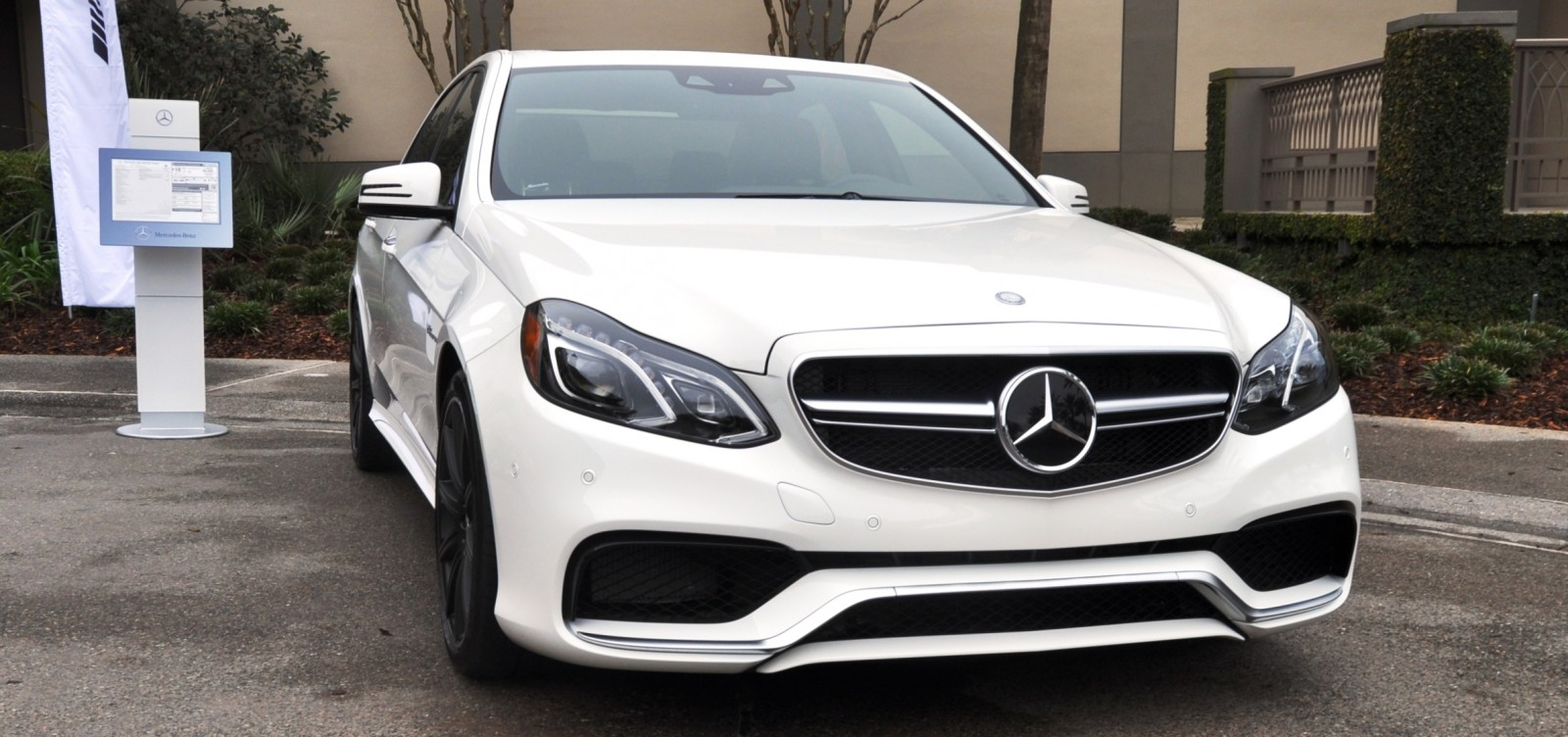 White dynamite 2014 mercedes benz e63 amg 4matic s model for Mercedes benz e63 s amg