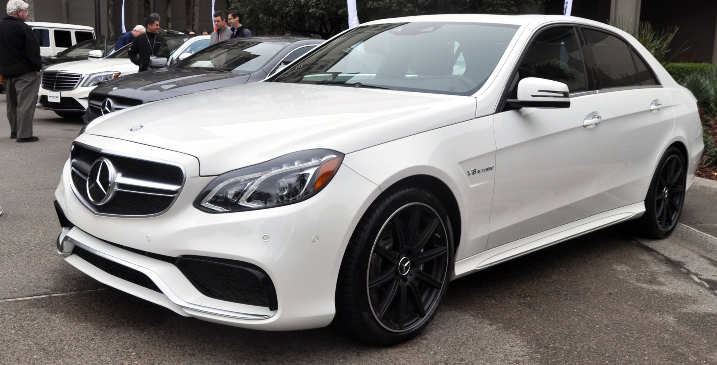 The white knight 2014 mercedes benz e63 amg 4matic s for Mercedes benz e63 s amg