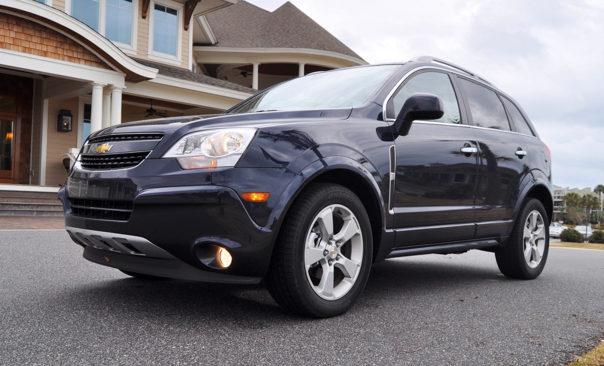 hd road test review 60 photos 2014 chevrolet captiva captiva 2014 road. Cars Review. Best American Auto & Cars Review