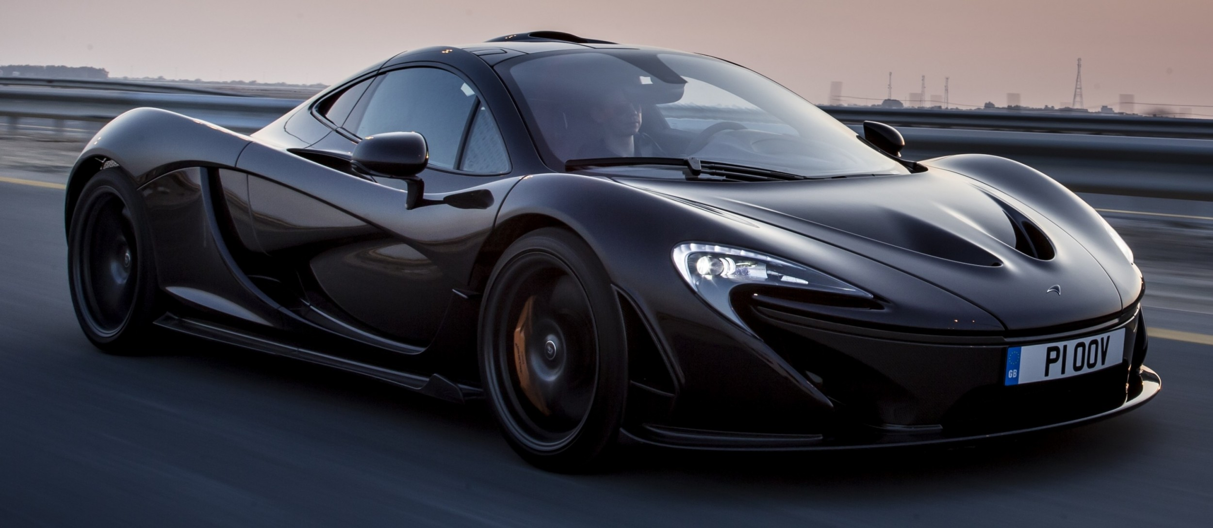 ferrari laferrari vs mclaren p1 technical specifications 2017 2018 cars reviews. Black Bedroom Furniture Sets. Home Design Ideas