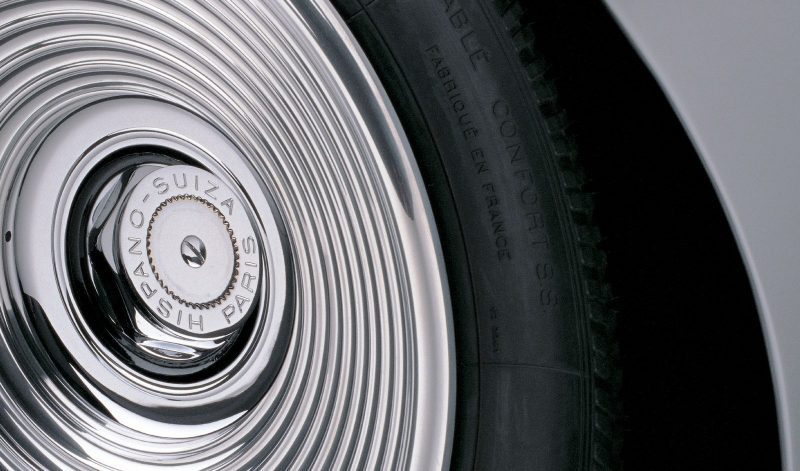 0004-1938_Dubonnet_Hispano_H-6C_Xenia_wheel