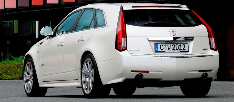 007_Cadillac_CTS-V_Sport_Wagon