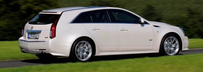 014_Cadillac_CTS-V_Sport_Wagon