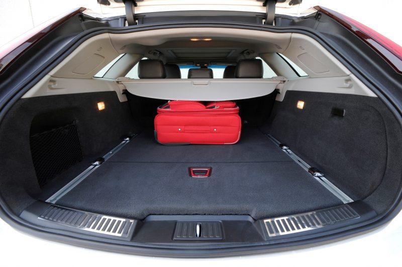 052_Cadillac_CTS-V_Sport_Wagon