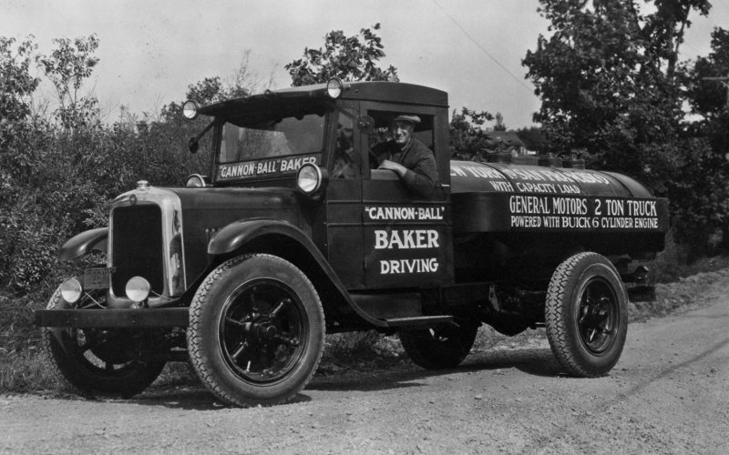 1927-GMC-Cab-Chassis-with-Cannonball-Baker