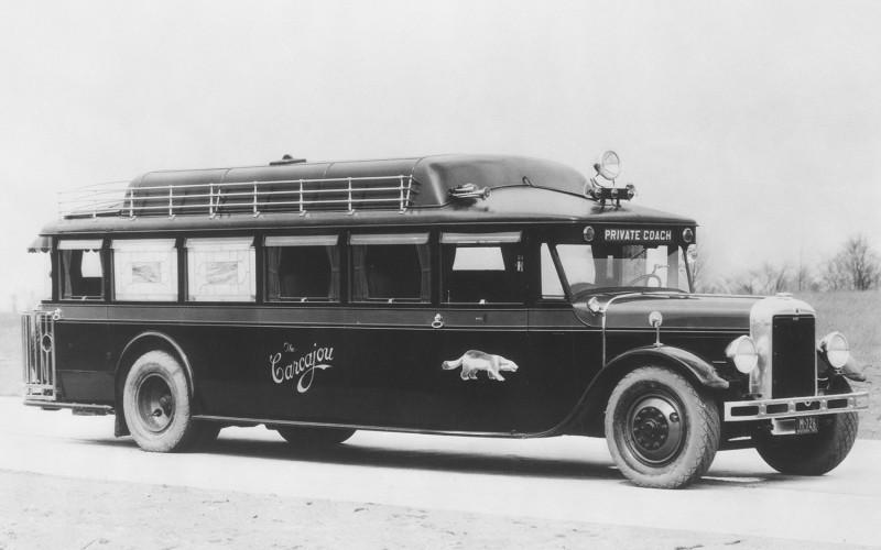 1930-GMC-Private-Coach