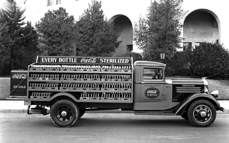 1935-GMC-Cab-Chassis-with-Beverage-Delivery-Body