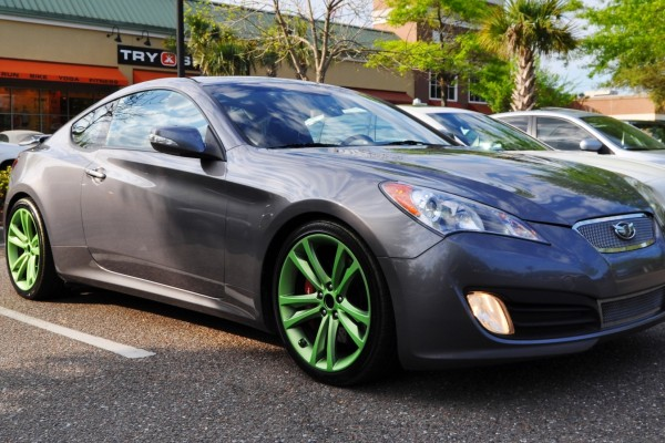 2014 hyundai genesis coupe 3 6 r spec at cars coffee wearing custom lime green wheels1. Black Bedroom Furniture Sets. Home Design Ideas