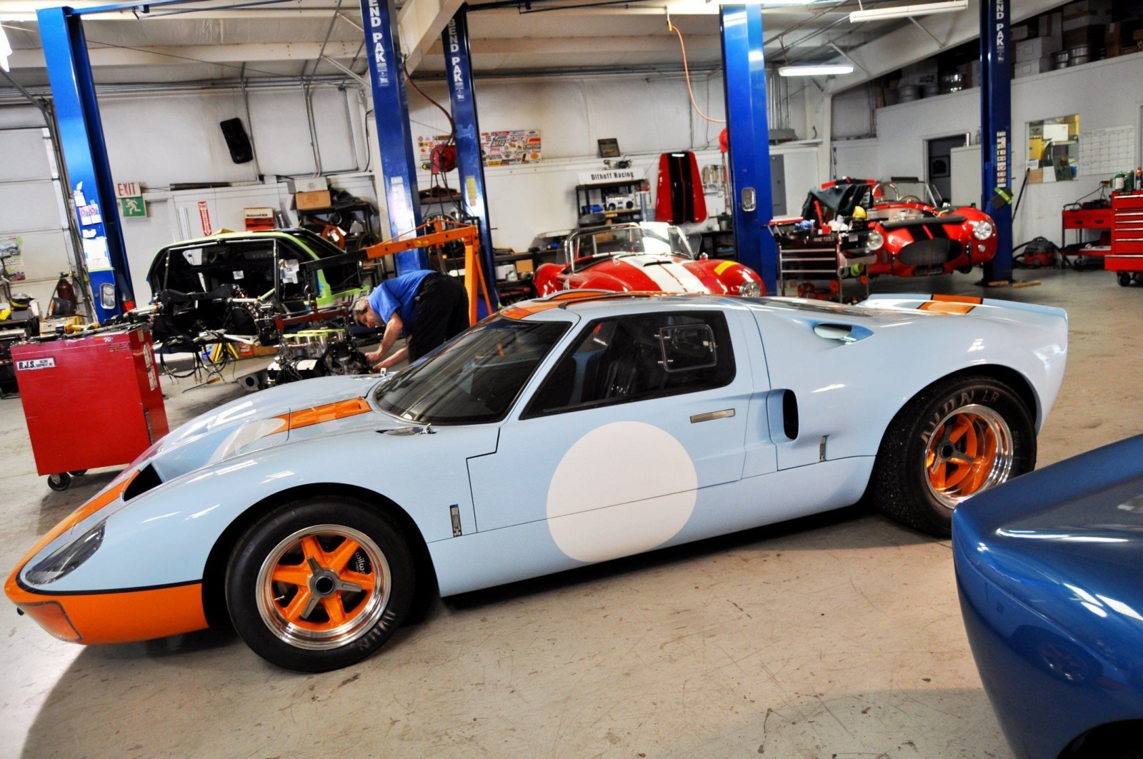 2014 Superformance GT40 Mark I - MEGA Photo Shoot and Ride-Along Videos 12