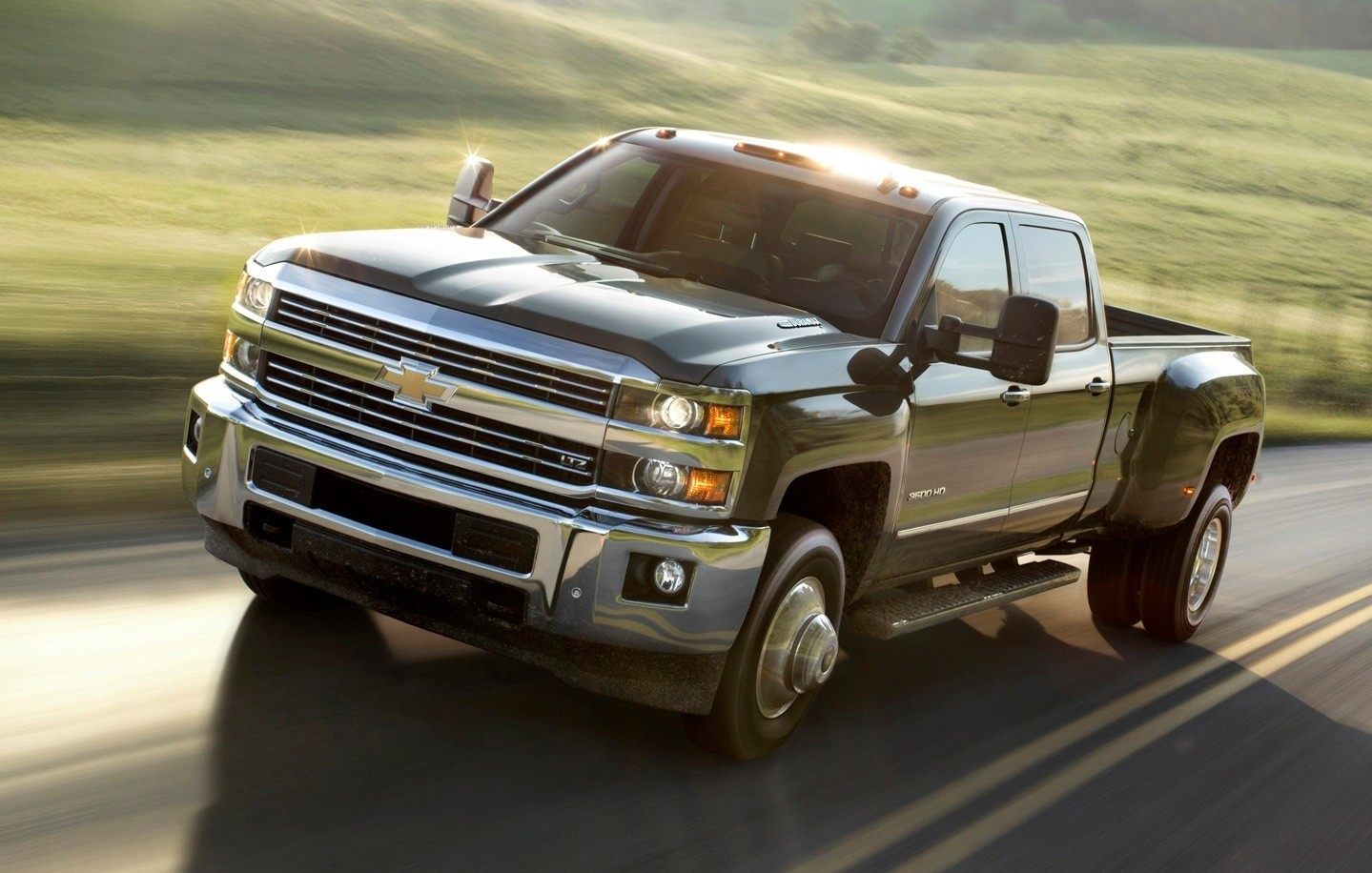 All Chevy 2015 chevy 3500hd dually : 2015 Chevrolet Silverado 2500HD and 3500HD Arriving Now To Dealers ...