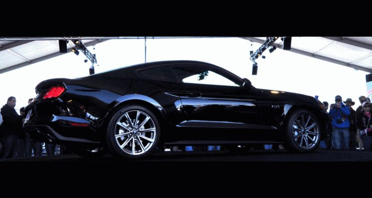 2015 Ford Mustang GIF2