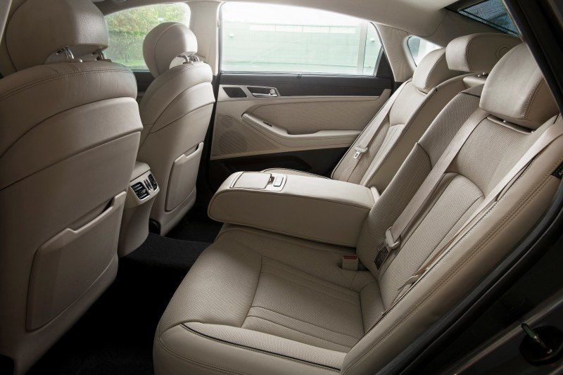 2015 Hyundai Genesis 16