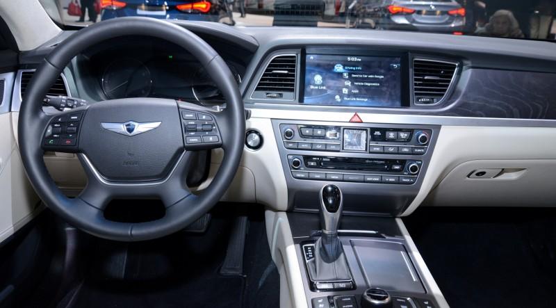 2015 Hyundai Genesis 30