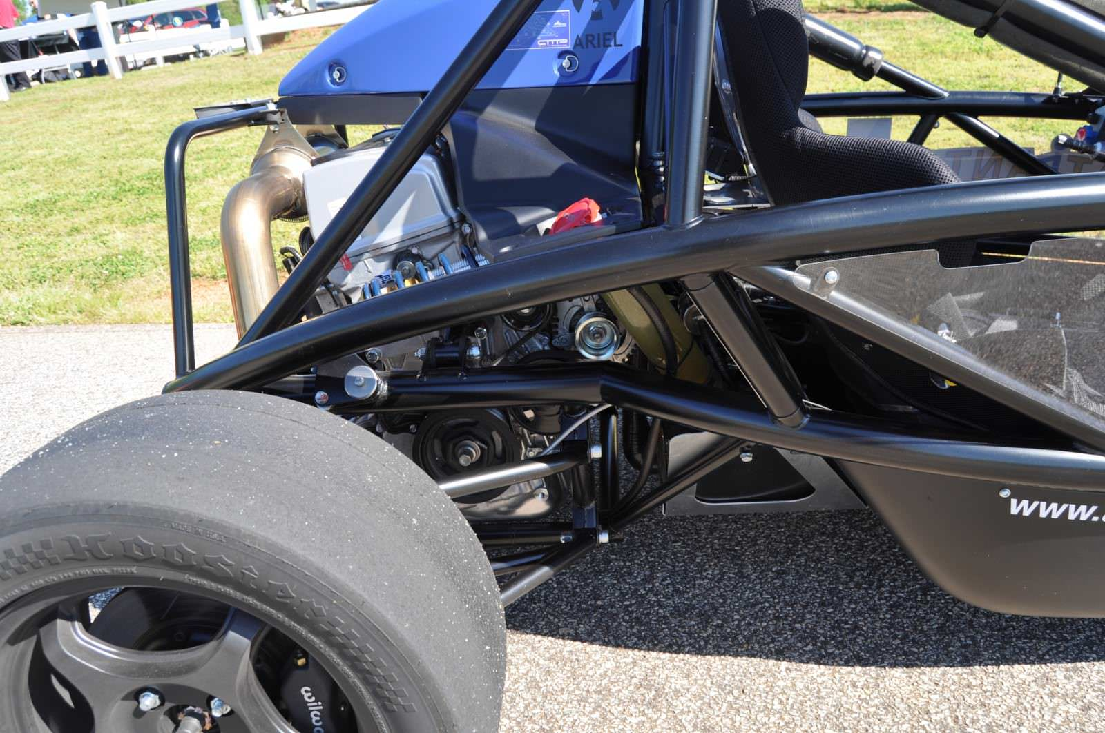 Ariel Atom Duo on Slicks at the Road Atlanta Skidpad for ATL Driving Experience 15