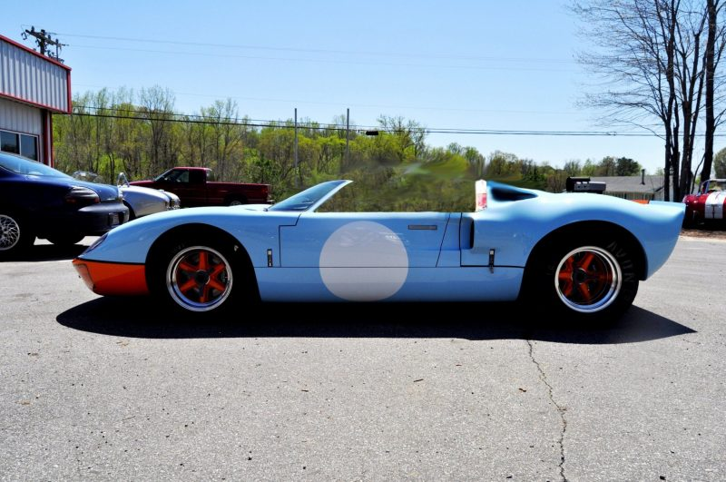 Car-Revs-Daily.com Imagines a Superformance GT40 Spyder 30