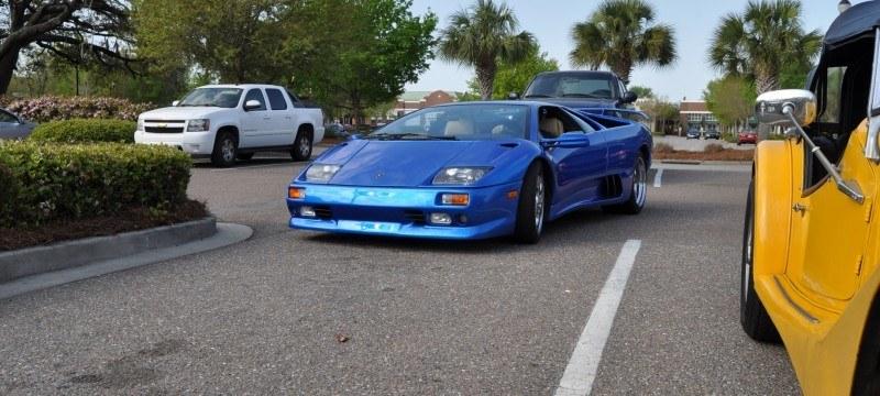 Car-Revs-Daily.com Supercars 1999 Lamborghini Diablo VT12