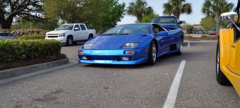 Car-Revs-Daily.com Supercars 1999 Lamborghini Diablo VT13