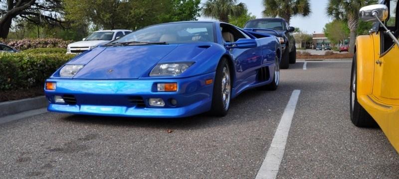 Car-Revs-Daily.com Supercars 1999 Lamborghini Diablo VT14