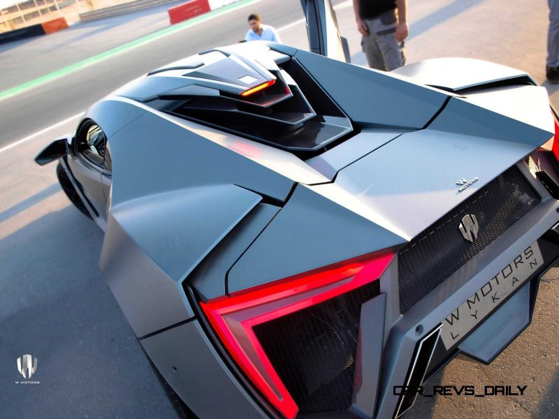 Car-Revs-Daily.com - W Motors LYKAN HyperSport 20