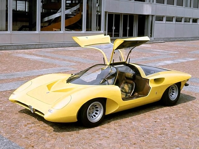 Concept Flashback -- 1969 Alfa-Romeo Tipo 332 Coupe Speciale -- Gullwing Mid-Engine Supercar That Never Was 5