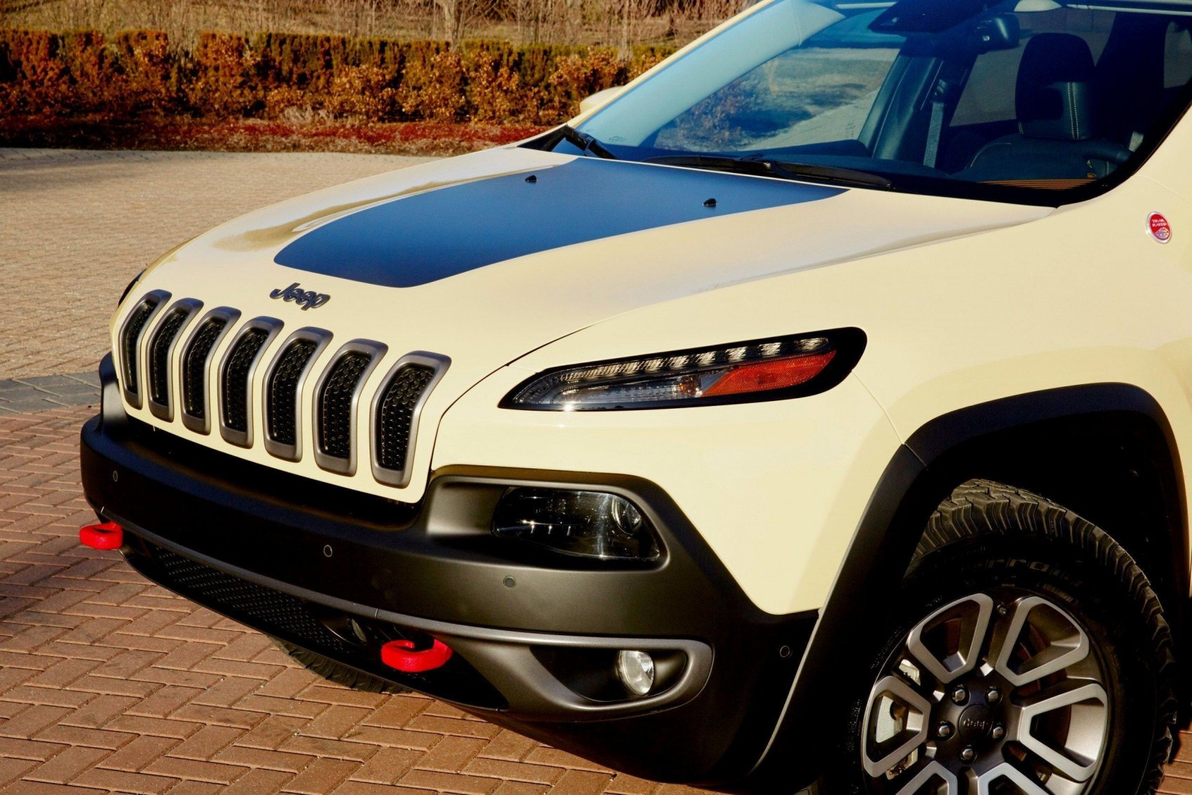 MOPAR Adding Huge JEEP Upgrade Options -- Cherokee ...