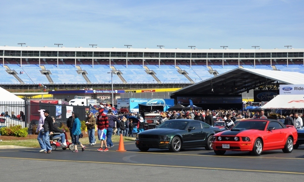 Mustang 50th Anniversary - Stragglers Gallery Shows 150 Great Photos of Your Dream Mustangs 54