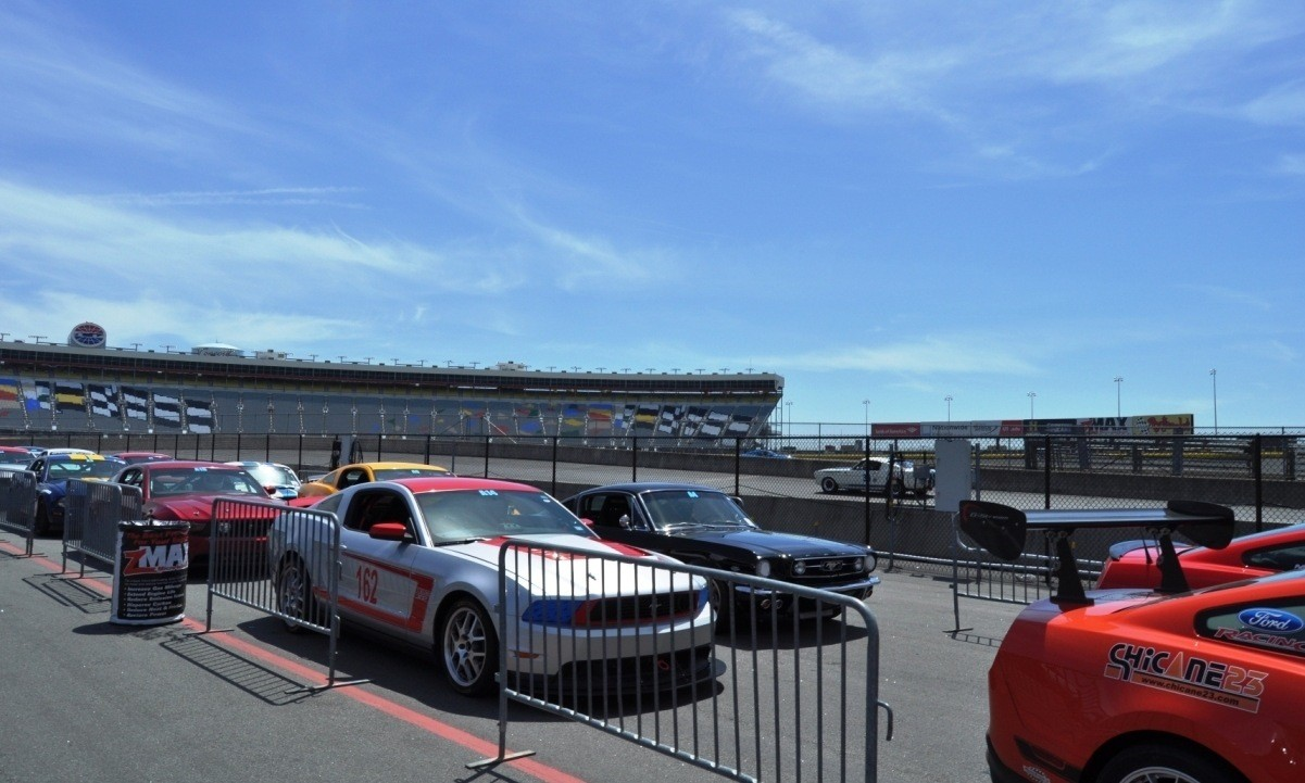 Mustang 50th Anniversary - Stragglers Gallery Shows 150 Great Photos of Your Dream Mustangs 75
