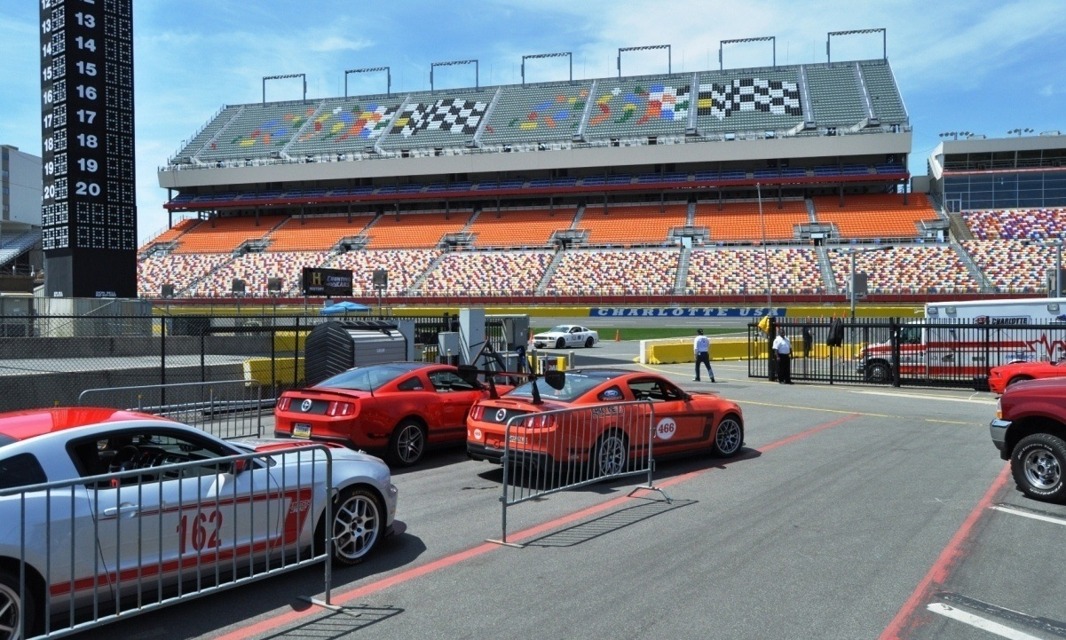 Mustang 50th Anniversary - Stragglers Gallery Shows 150 Great Photos of Your Dream Mustangs 86