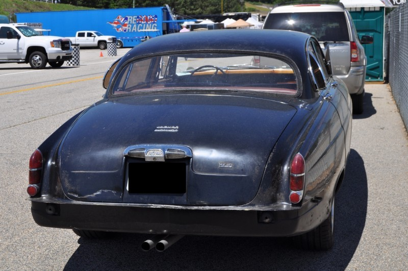 Road-Atlanta---Mitty-2014-Pit-Lane---~1965-JAGUAR-Mark-10-and-E-Type-Coupe-Side-by-Side-9