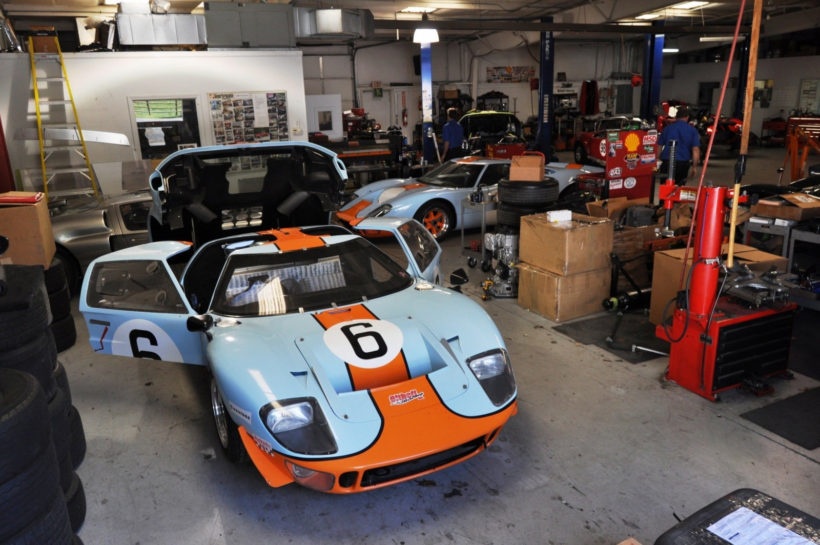 Touring the Olthoff Racing Dream Factory - Superformance GT40s and Cobras Galore 10
