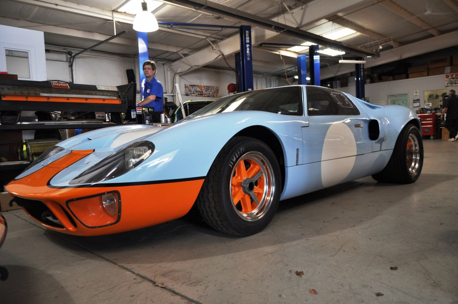 Touring the Olthoff Racing Dream Factory - Superformance GT40s and Cobras Galore 17
