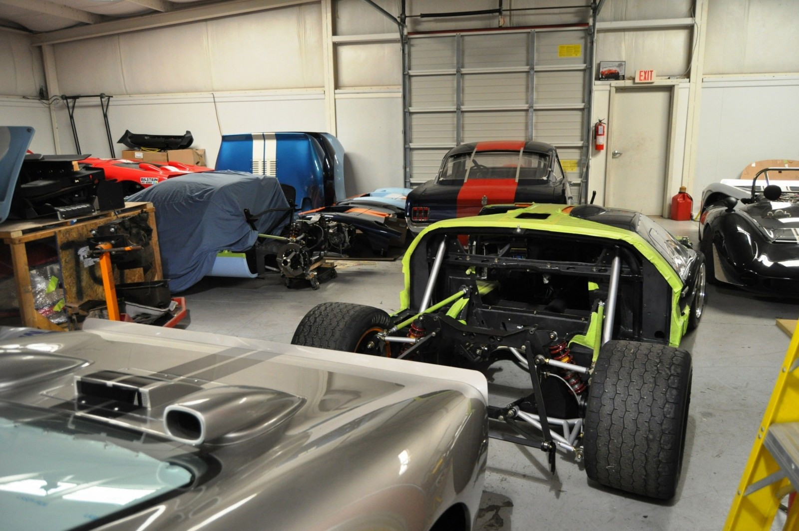 Touring the Olthoff Racing Dream Factory - Superformance GT40s and Cobras Galore 21