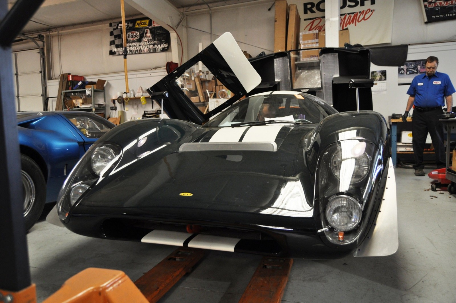 Touring the Olthoff Racing Dream Factory - Superformance GT40s and Cobras Galore 38
