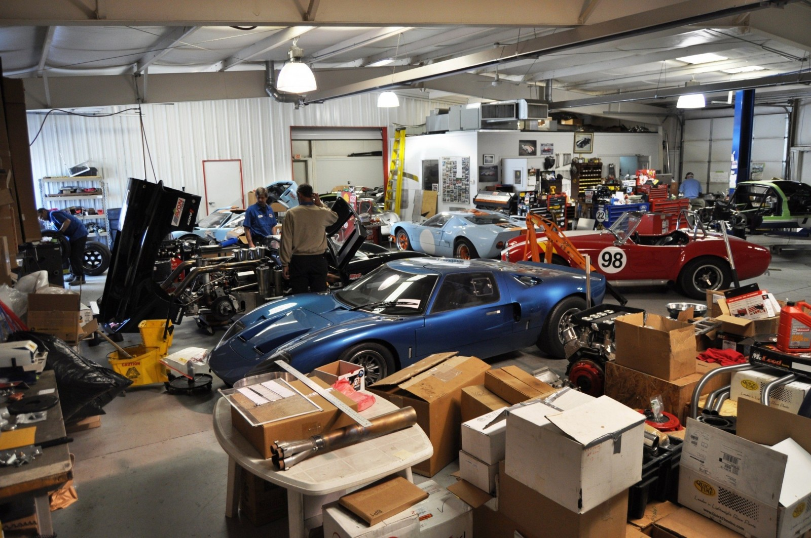 Touring the Olthoff Racing Dream Factory - Superformance GT40s and Cobras Galore 4