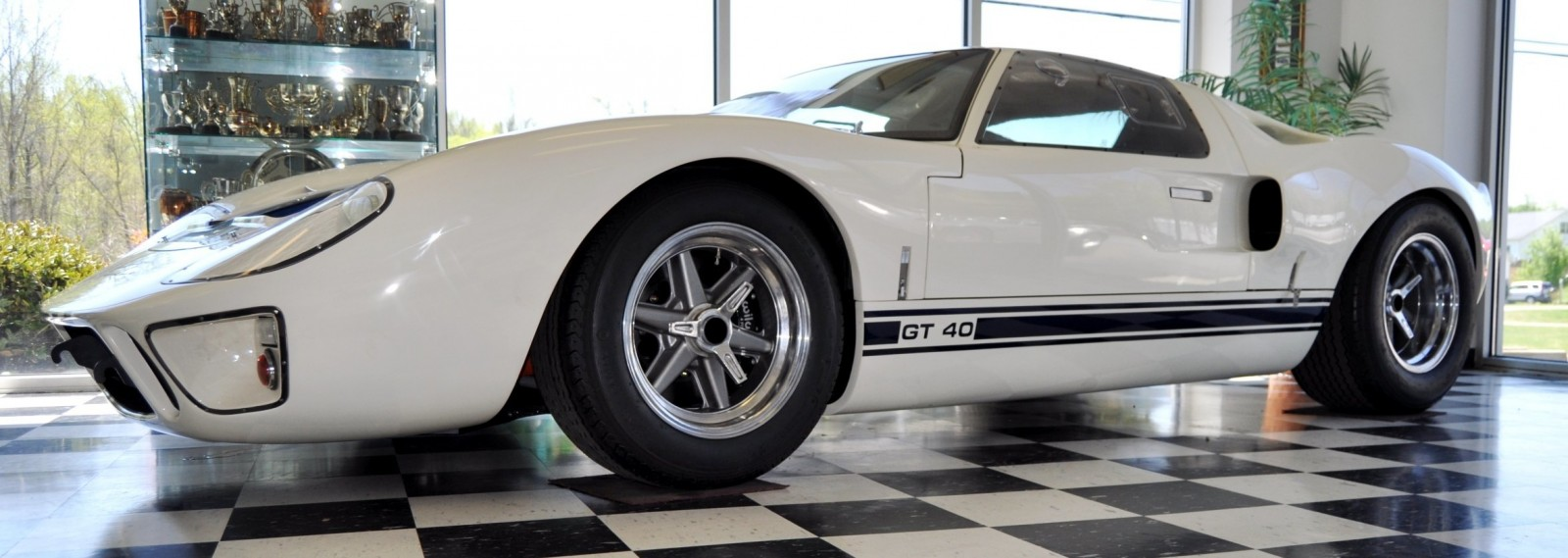 Touring the Olthoff Racing Dream Factory - Superformance GT40s and Cobras Galore 44
