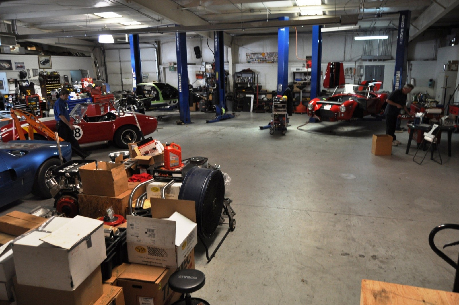 Touring the Olthoff Racing Dream Factory - Superformance GT40s and Cobras Galore 5