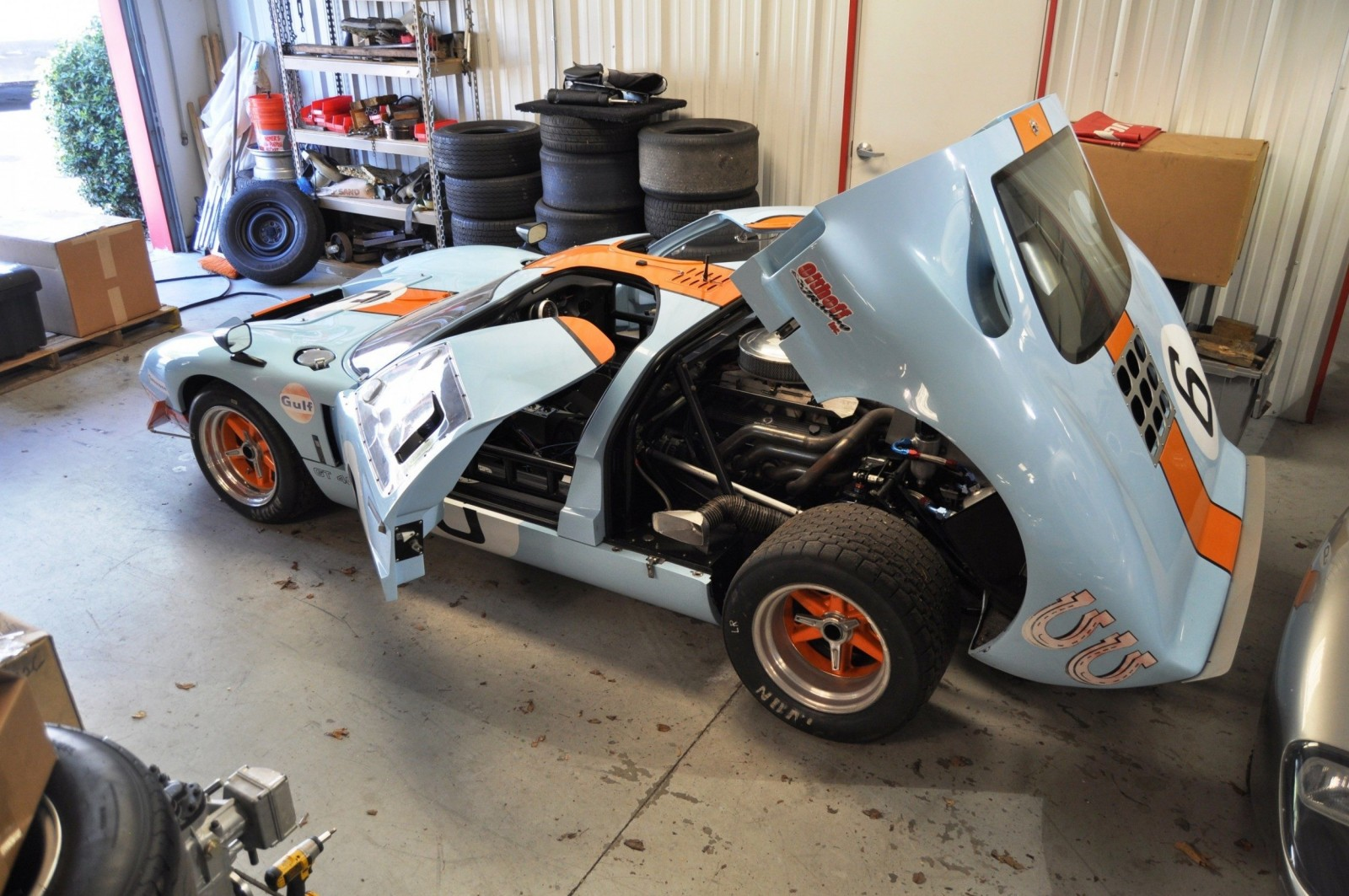 Touring the Olthoff Racing Dream Factory - Superformance GT40s and Cobras Galore 8