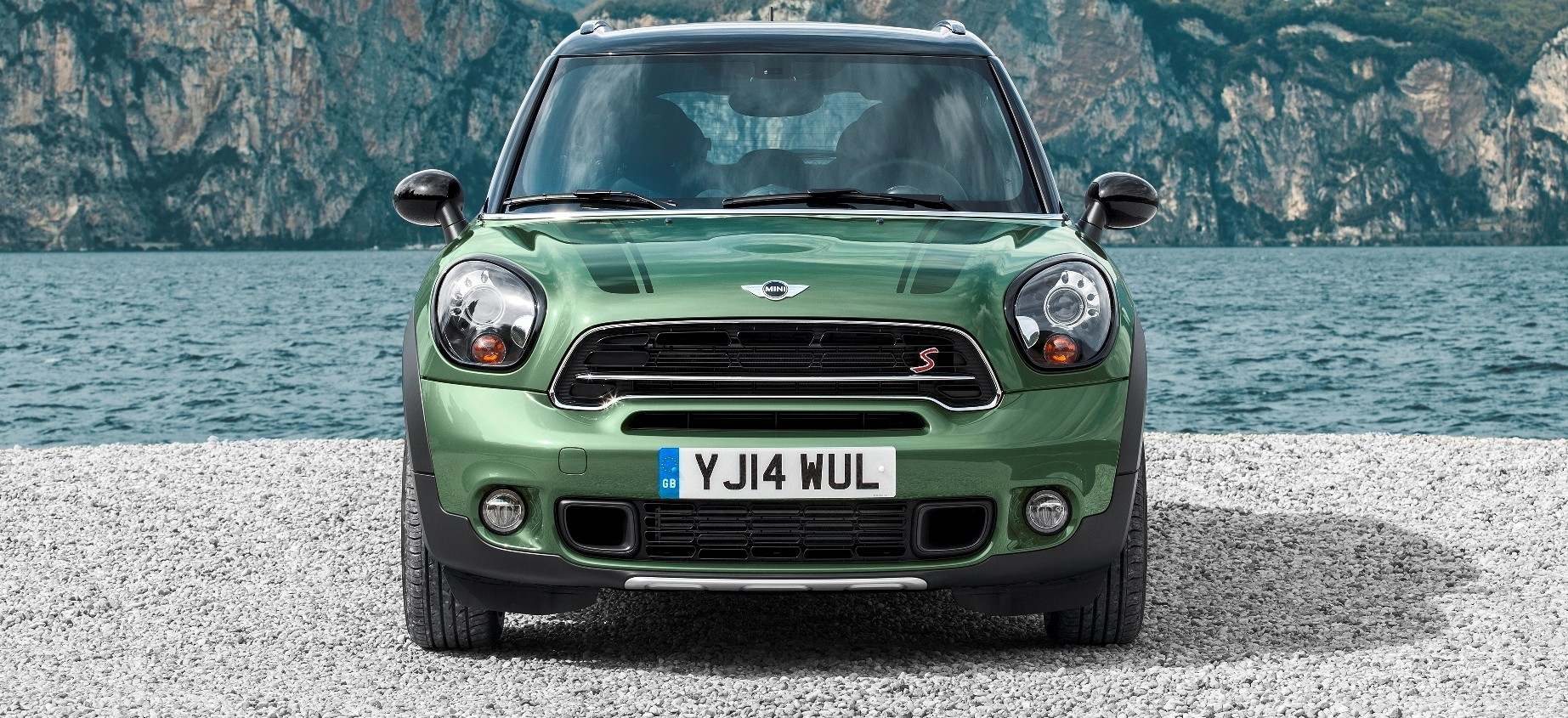 2015 mini countryman debuts dark trimmed style and led foglamp rings. Black Bedroom Furniture Sets. Home Design Ideas