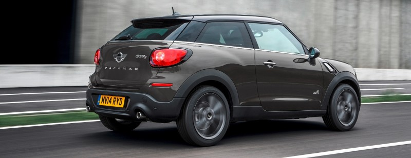 Car-Revs-Daily.com - 2015 MINI PACEMAN LED and Dark Style Updates 16